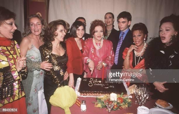 73 birthday of Sara Montiel Sara Montiel and their children Zeus and Thais celebrate their mother 's birthday accompanied by Espearanza Roy Flavia...
