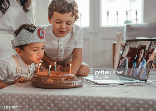 birthday party during coronavirus lockdown - happybirthdaycrown stock pictures, royalty-free photos & images