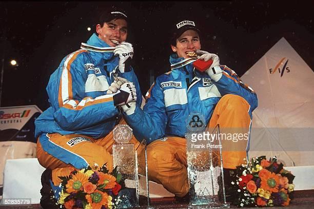 WM 1999 Bischofshofen/Oesterreich SKISPRINGEN/EINZEL vli Sven HANNAWALD/GER Silber Martin SCHMITT/GER Gold