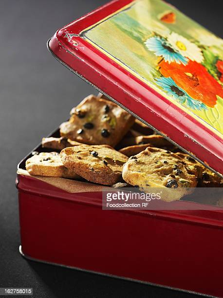 Biscuit tin filled with chocolate chip cookies