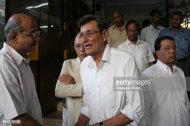 Bishen Singh Bedi and Salim Durani at the funeral of Hanumanth Singh at Chandanwadi