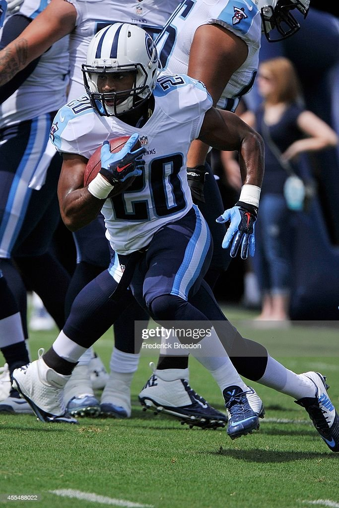 Bishop Sankey #20 of the Tennessee Titans warms up prior to a game against the Dallas Cowboys at LP Field on September 14, 2014 in Nashville, Tennessee.