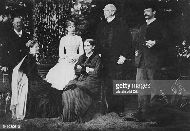 Bismarck Otto von *18151898Politician Germany1862 1890 Minister President of Prussia1871 1890 Reich Chancellorwith his family in Park Friedrichsruh...