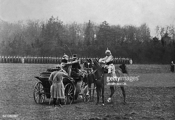 Bismarck Otto von Politician D*0104181530071898 Emperor Wilhelm II greeting Bismarck in Friedrichsruh at the event of his 80th birthday Photographer...