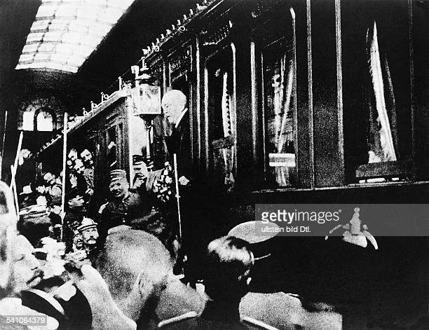 Bismarck Otto von Politician Germany *0104181530061898 First Chancellor of the German Reich 18711890 Bismarck's departure at the train station...
