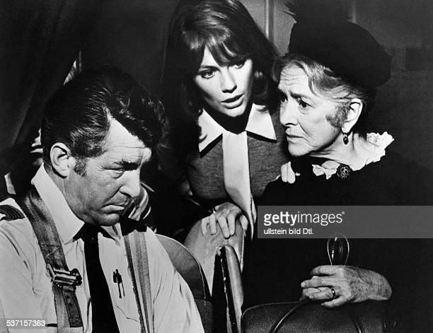 Bisset Jacqueline Schauspielerin GB mit Dean Martin und Helen Hayes in dem Film 'Airport' nach Arthur Hailay 1970