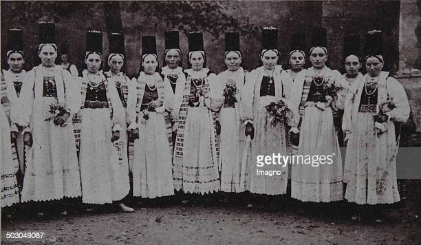 Bistrita Transylvania / Romania Women in Saxon folk costumes 1932 Photograph