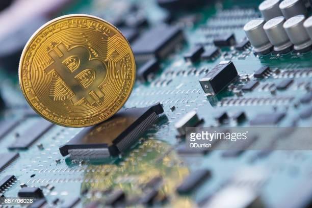 Bitcoin Kryptowährung auf einer Leiterplatte