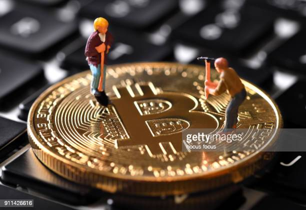bitcoin mining - cryptocurrency mining stock photos and pictures