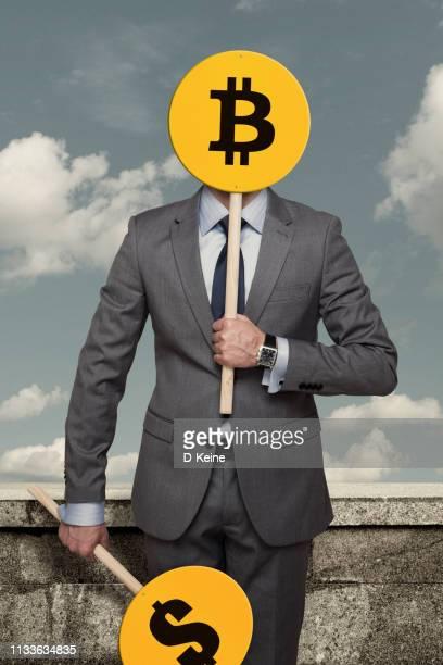 bitcoin - bitcoin stock-fotos und bilder