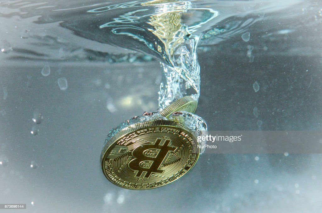 Investors rally around Bitcoin cash after cancelled expansion : News Photo