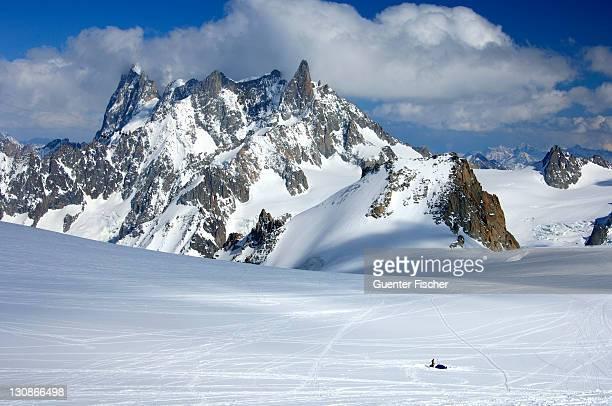 Biwak in the Vallee Blanche Les Grand Jorasse 4208 m Dome de Rochefort 4015 m Arret de Rochefort Dent du Geant 4013 m Chamonix Haute-Savoie France