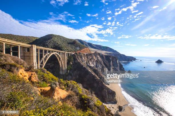 bixby bridge und pacific coast highway 1 - kalifornien stock-fotos und bilder