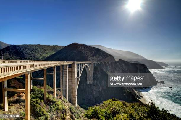 bixby creek bridge at backlight - monterrey fotografías e imágenes de stock