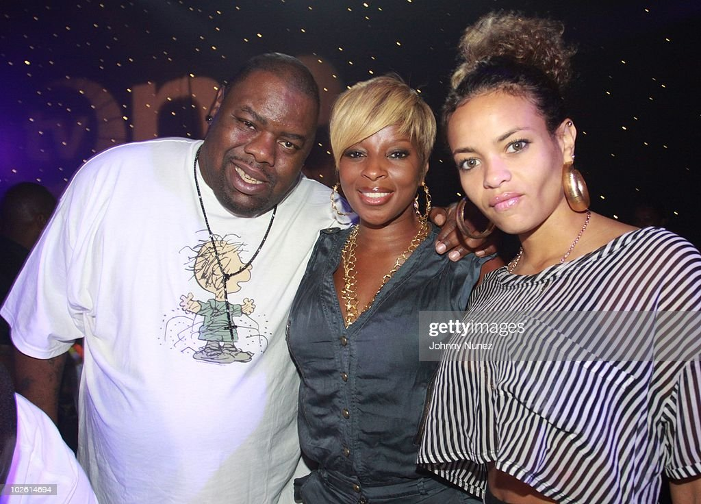 Biz Markie, Mary J. Blige and Starshell attend the Tom Joyner Foundation party at Harrah's Casino on July 3, 2010 in New Orleans, Louisiana.