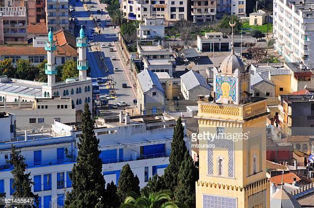béjaïa, algérie: mosquées et de la rue de la liberté - kabylie photos et images de collection