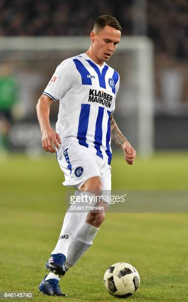 Bjarne Thoelke of Karlsruher in action during the Second Bundesliga match between FC St Pauli and Karlsruher SC at Millerntor Stadium on February 27...