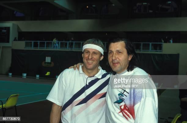Bjorn Borg et Ile Nastase lors d'un tournoi de tennis au profit des maladies cancereuses le 16 janvier 1994 a Monaco