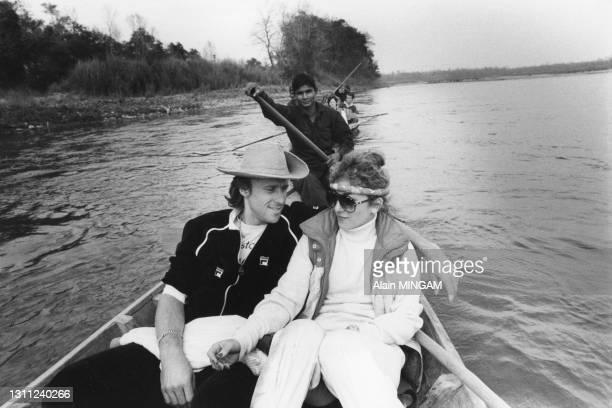 Bjorn Borg et sa femme Mariana Simionescu lors d'un safari dans la jungle népalaise le 28 Janvier 1983 au Népal.