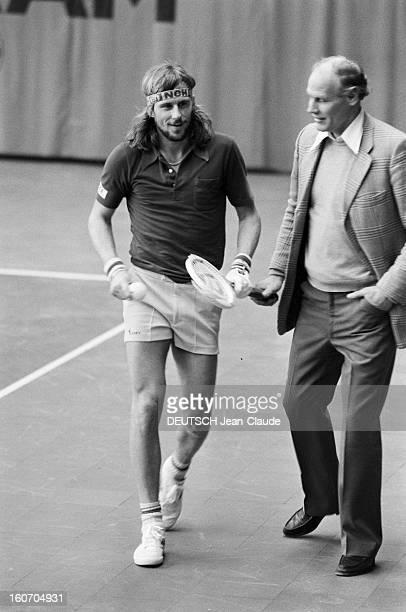 Bjorn Borg In Sweden Stockholm janvier 1979 Le tennisman Bjorn BORG et son entraineur Lennart BERGELIN lors d'un entrainement au Royal Tennis Club