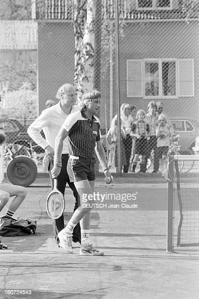 Bjorn Borg Prepares For Rolandgarros Suède Smedslatten 15 mai 1981 le joueur de tennis suédois Björn Rune BORG s'entraine au club de Tennis Club de...
