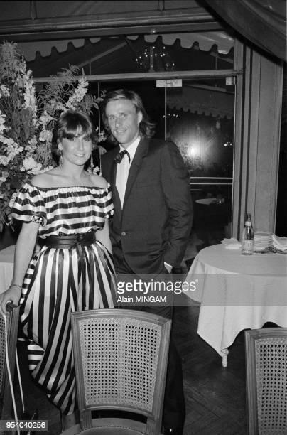 Björn Borg et sa femme Mariana lors d'une soirée au Pré Catelan le 2 juin 1981, Paris, France.