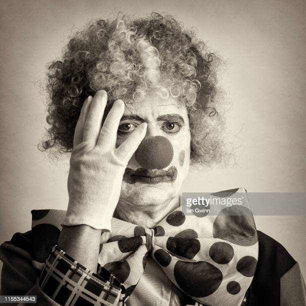 black and white clown_2 - ian gwinn stock pictures, royalty-free photos & images