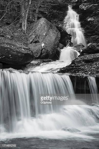 black and white (monochrome) image of a waterfall - ogphoto stock pictures, royalty-free photos & images