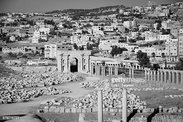black and white jerash - roman decapolis city stock pictures, royalty-free photos & images