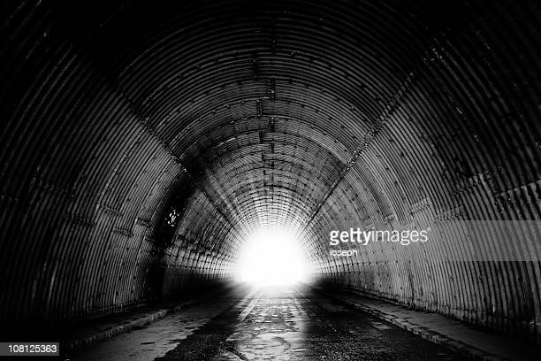 black and white of tunnel - finale stockfoto's en -beelden