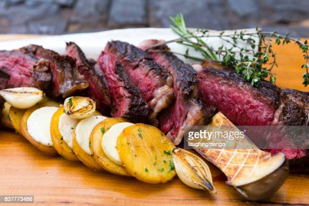 Black Angus Tomahawk Steak Steinpilz Pilz