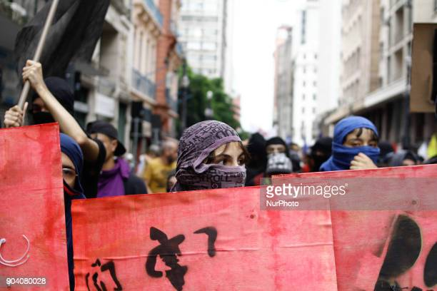 Black Blocs exhibit improvised shields during protest organized by MPL Movimento Passe Livre against the increase of the tariff to R $ 400 in public...