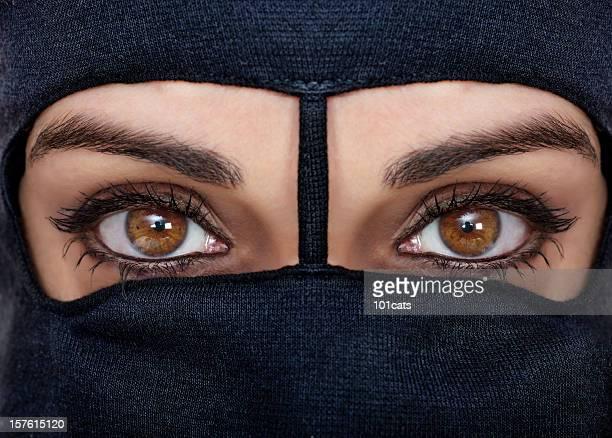 burqa noir - burka photos et images de collection