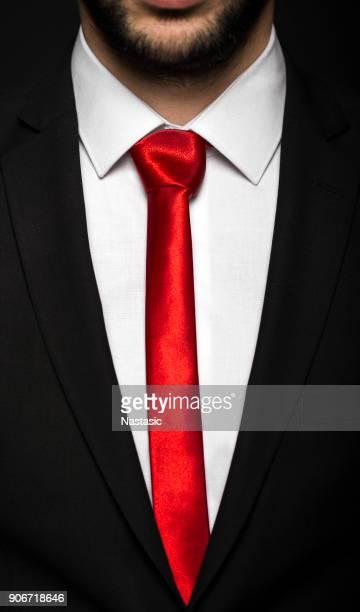 negro traje de negocios con brida - solapa camisa fotografías e imágenes de stock