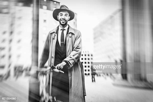 Noir homme d'affaires dans le quartier des finances de La Défense, Paris