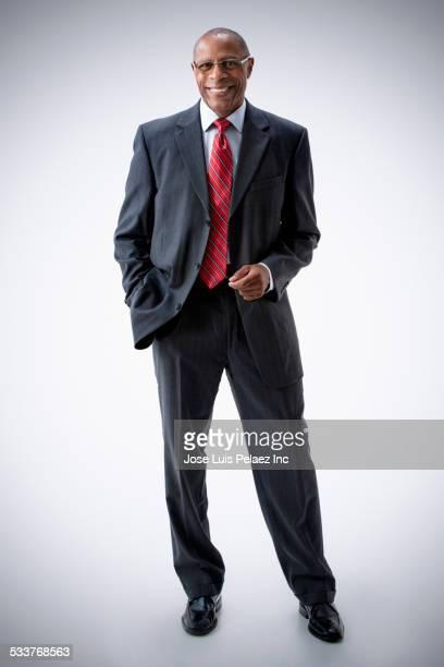 black businessman smiling - completo nero foto e immagini stock