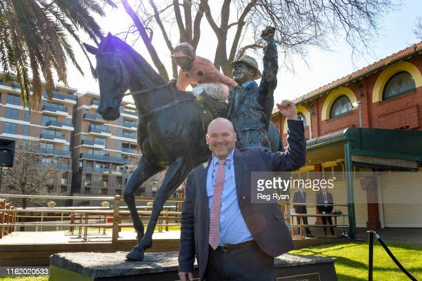 Black Caviar Statue Unveiling Peter Moody with the statue before the MRC Foundation Supports Legacy Handicap at Caulfield Racecourse on August 17...