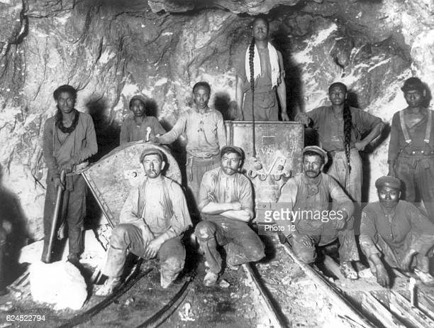 Black Chinese and White labourers in a gold mine in South Africa