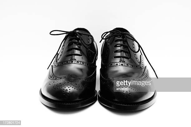 black dress shoes - nette schoen stockfoto's en -beelden