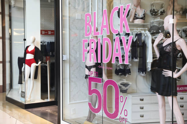 FL: Shoppers Hit International Plaza and Bay Street Mall On Black Friday