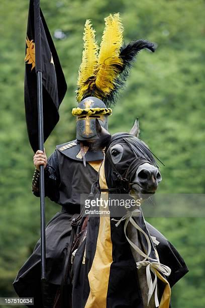 Negro Caballero de la armadura sobre caballos
