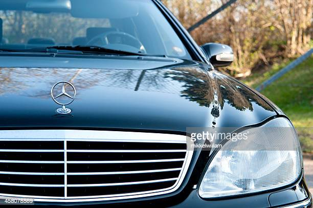 black mercedes benz with hood ornament - hood ornament stock pictures, royalty-free photos & images