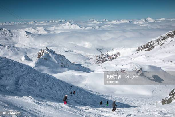 black piste in val thorens - val thorens stock pictures, royalty-free photos & images