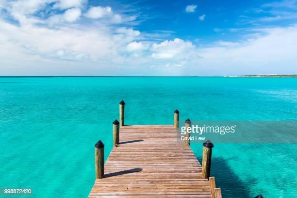 black point empty dock - バハマ ストックフォトと画像