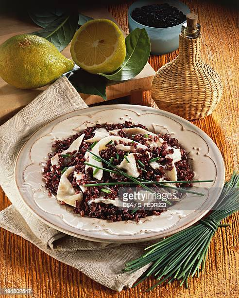 Black rice salad carpaccio with sea bream