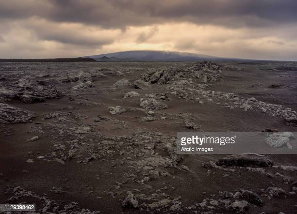 black sands landscape, trolladyngja lava shield volcano, iceland - shield volcano stock pictures, royalty-free photos & images