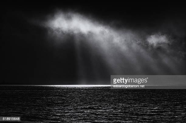 black storm - edoardogobattoni - fotografias e filmes do acervo
