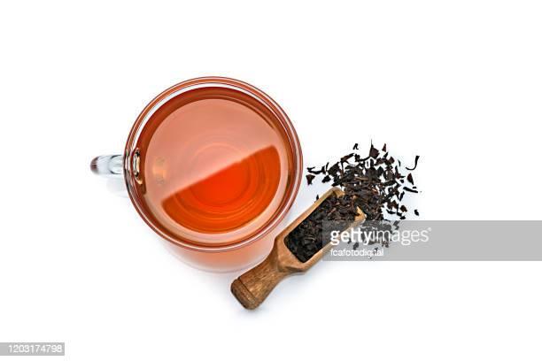 白い背景に上から撮影した紅茶カップ。コピースペース - 温かいお茶 ストックフォトと画像