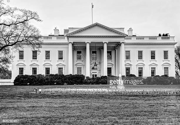 Black & white photo of 1600 Pennsylvania Ave. Washington, DC.