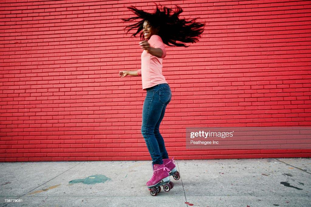 ebony-teen-skates